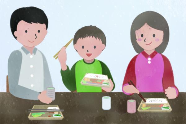 家族団らんでお弁当を食べる